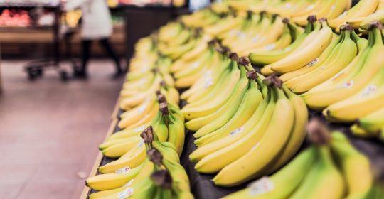 fruits-grocery-bananas-market
